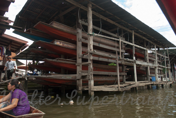 Floating market-September 01, 201433