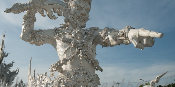 From Chiang Rai, before heading south to Bangkok we decided to visit Chiang Rai. The aim were the White temple aBuddhist temple with Hinduism Tao and modern art influence. The […]